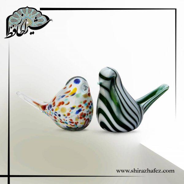 کبوتر شیشه ای ، محصولی زیبا و کاربردی از صنایع دستی شیراز رنگ آمیزی با رنگ آمیزی طبیعی، فروش آنلاین صنایع دستی در فروشگاه اینترنتی شیراز حافظ