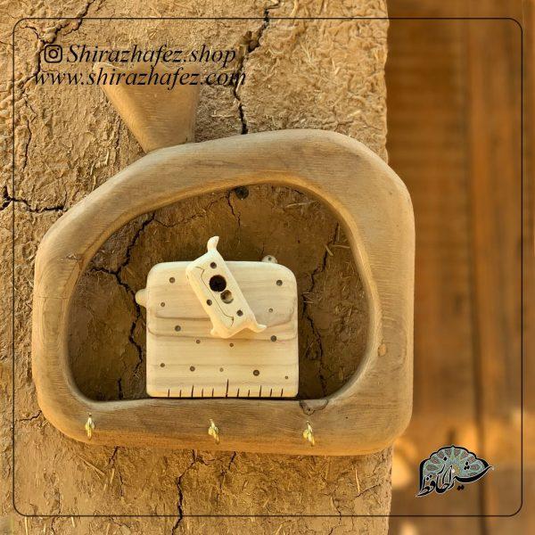 جاکلیدی دیو تک کد 03پیکر تراشی شده روی چوب افرا . خرید آنلاین صنایع دستی چوبی در فروشگاه آنلاین صنایع دستی شیراز حافظ . عرضه کننده محصولات دکوراتیو چوب